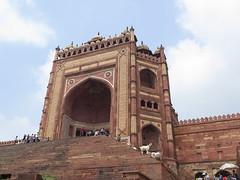 "Porte de la victoire de la Jama Masjid <a style=""margin-left:10px; font-size:0.8em;"" href=""http://www.flickr.com/photos/83080376@N03/15048162087/"" target=""_blank"">@flickr</a>"