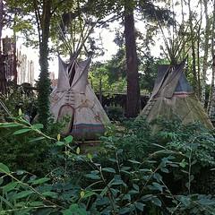 Huts (moacirdsp) Tags: paris france ledefrance disneyland huts 2014 seineetmarne marnelavalle