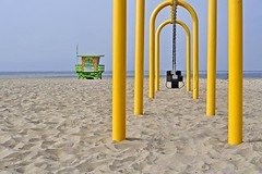 Hermosa Beach Swings (AntyDiluvian) Tags: california beach la losangeles hermosabeach swings arch lifeguardtower lifeguardstation
