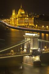 Una cartolina da Budapest / A postcard from Budapest (Chain Bridge and Parliament, Budapest, Hungary)(Explore!!!) (AndreaPucci) Tags: budapest hungary széchenyi chain bridge parliament hungarian danube night andreapucci canoneos60 explore