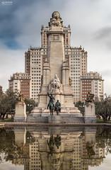 Plaza España (-COULD 2.0) Tags: sigma1750 spain madrid canon650d ciudad urbano edificio arquitectura toma
