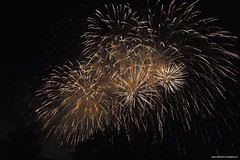21 Juillet (Jean-Franois Chamberlan) Tags: firework nuit nocturne fujixe1