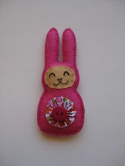 187/365 (ONE by one) Tags: bunny handmade brooch fuchsia brooches day187 2014 littlethings project365 365days onebyone crafting365day187