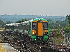 Sixes and Sevens (Deepgreen2009) Tags: new train railway junction southern seven six 377 selhurst electrostar
