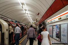 Liverpool Street Station, London Underground (InSapphoWeTrust) Tags: uk greatbritain england london europe unitedkingdom londonunderground londontube masstransit tfl transportforlondon unitedkingdomofgreatbritainandnorthernireland