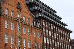 Hamburg 45 (mcorreiacampos) Tags: window architecture germany deutschland fenster hamburg architektur modernarchitecture alemanha chilehaus modernearchitektur modernmovementarchitecture archdaily