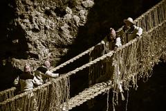 chakaruwaq (estrellavivancophotography) Tags: bridge inca tejedores qeswachaka