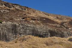 Retrato da devastação (Márcia Valle) Tags: winter brazil rock brasil nikon rj inverno pedra montanha brésil itaipava pedreira queimada devastação d5100 márciavalle