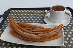 Churros con chocolate (mlcastle) Tags: méxico cdmx ciudaddemexico churro churros chocolate churrería churreríaelmoro