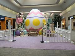 Sandusky Mall Easter Display (Nicholas Eckhart) Tags: america us usa ohio oh 2017 retail stores sandusky sanduskymall