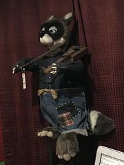Rocky The Raccoon - Knott's Bear-y Tales (Althegamefreak) Tags: blacklight design27 crump fantasyfair vintage figures darkride knottsberryfarm bearytales knottsbearytales raccoon animatronic disney rollycrump