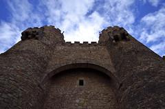 La entrada / The gate [Explore 2017-04-07] (Txemari Roncero) Tags: parador sigüenza guadalajara castillo castle castillalamancha arquitectura arquitecture txemarironcero nikon nikond7000