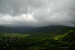 Play of Light @ Sajjangad (www.EyePics.net) Tags: india horizontal clouds landscape nikon rainy monsoon maharashtra satara playoflight sajjangad 18105mm d7000