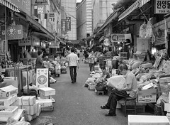 A New Day at Namdaemun Market (craig.rohn) Tags: urban market korea seoul southkorea namdaemun 서울 한국 대한민국 남대문시장 nhorgiarc