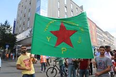 Demo gegen den Terror in Shingal - Berlin 10.08.2014  IMG_7565 (Thomas Rossi Rassloff) Tags: berlin deutschland is iraq krieg mord christen isis kurdistan irak rojava ypg kurden verfolgung pkk