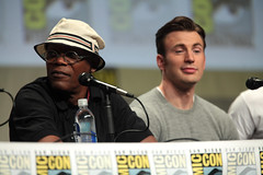 Samuel L. Jackson & Chris Evans (Gage Skidmore) Tags: california chris robert paul james evans san kevin comic elizabeth mark aaron johnson diego center jr jeremy jackson josh convention taylor samuel ruffalo con olsen hardwick renner downey 2014 cobie feige spader bettany smulders hemsworth brolin