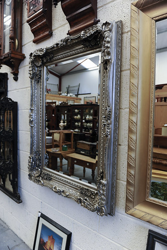 Large Silver Framed Wall Mounted Mirror € 200