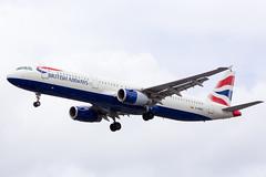 G-MEDU BA Airbus A321-231 at Heathrow (Simon.Davison.Photography) Tags: london plane canon airport heathrow aircraft flight aeroplane airbus passenger ba britishairways 70200 heathrowairport 6d a321 canon70200 airbusa321 a321231 airbusa321231 canon6d gmedu
