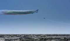 (stefano mallus) Tags: italia verde rosso bianco aerea spiaggia manifestazione aerei ostia tricolore frecce sea mare allaperto cielo sky