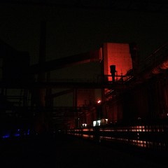Kokerei Zollverein at night. Essen.   #kokerei #zechezollverein #zeche #zollverein #essen #ruhr #ruhrpott #kiratontravel #travelblog #travel #traveltheworld #travelingram #enjoy #ignice #igtravel #igplace #instaplace #iggood #igtravel #igweather #hoorayfo