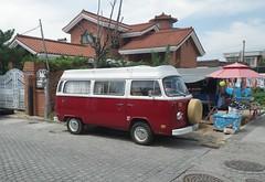 Corée - Jeonju - Minibus VW (gueguette80 ... Définitivement non voyant) Tags: vw volkswagen korea van coree combi septembre kombi minibus jeonju 2014