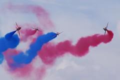 redarrows baehawk wikimediacommons farnboroughinternationalairshow fia2014