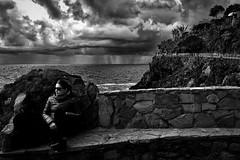 L'arrivo_della_pioggia (Danilo Mazzanti) Tags: danilo danilomazzanti mazzanti wwwdanilomazzantiit fotografia foto fotografo photography photos biancoenero blackandwhite drammatico composizione manarola liguria 5terre mare nuvole pioggia