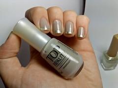 Desafio dos Clássicos #5 - Amarula. (Raíssa S. (:) Tags: unhas nails esmalte nailpolish naillacquer beige bege topbeauty jequiti cremoso metálico golden dourado nailart
