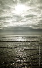 Straight into the shining sun (Rick Hathaway - rhfo2o (420k views!)) Tags: rhfo2o canon canoneos7d elmer elmersands bognor bognorregis westsussex sea seaside waves sky clouds tide horizon sun sunlight