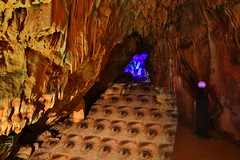 Cave lights (Mettwoosch) Tags: cave iserlohn nrw germany deutschland höhle dechenhöhle lichter colors worldoflights lights canon eos 5dm3 ef lens 5d3 travel tour tropfstein longexposure langzeitbelichtung