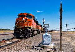 Delhi (Wheelnrail) Tags: bnsf burlington northern santa fe railroad train trains locomotive ge ballast raton subdivision wig wag delhi colorado crossing freight