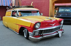 2017 Grand National Roadster Show (USautos98) Tags: 1956 chevrolet chevy sedan delivery traditionalhotrod streetrod kustom scalloppaint grandnationalroadstershow gnrs pomona california