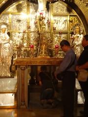 In de rij voor de graftombe van Jezus