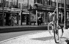 (mgkm photography) Tags: street cidade urban blackandwhite portugal monochrome bicycle 50mm nikon bokeh lisboa lisbon streetphotography gimp linux streetphoto lissabon nikkor f18 pretoebranco blackandwhitephotography streetshot 50mm18 urbanphotography blackwhitephotos ptbw opensourcephotography ilustrarportugal d7000 europeanphotography streettogs