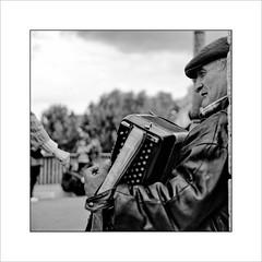 L'accordéoniste. Paris # 16