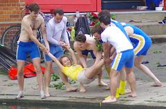 Swinging (MalB) Tags: cambridge shirtless pentax cam rowing robinson lycra k5 rowers mays 2014 maybumps