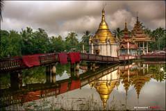 Shwegugale Pagoda, Bago, Burma (bit ramone) Tags: pagoda x myanmar buda bago budismo birmania bitramone pentaxk5 shwegugalepagoda