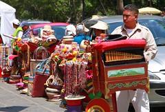 cilindrero en el bazar del sabado (L Urquiza) Tags: color mxico df streetvendor distritofederal sanangel cuidaddemxico cilindrero