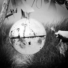 Island of Amrum - Disco ball (PHOTOPHOB) Tags: sea sky lighthouse beach water clouds strand germany landscape faro deutschland sand flickr nebel basket north himmel wolken northsea alemania nordsee allemagne phare vuurtoren navigation watt friesland fyr germania leuchtturm strandkorb schleswigholstein leuchtfeuer amrum beachchair fryslân leuchturm nordfriesland seezeichen kniepsand roofedwickerbeachchair kniep lumturo süddorf ilovemypic sueddorf photophob freesland fraschlönj mygearandmepremium eyckata2