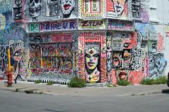 DSC_0646 v2 (collations) Tags: graffiti quebec montreal depanneur cornerstores deps thedep lesdepanneur