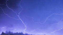 20082014-IMG_0264 (Nicola Pezzoli) Tags: sky italy clouds canon nuvole nicola val cielo leffe lightning viola bergamo lombardia thunder manfrotto temporale tempesta lampi seriana fulmine 600d pezzoli gandino peia