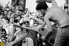 Sonorama_Aranda 14_3500 (Juan The Fly Factory) Tags: show white black sexy festival de fly concert factory juan stage gig concierto august diving best bolo fajardo zebras croud publico 2014 aranda duero cordero sonorama arandadeduero perezfajardo flyfactory theflyfactory plazadeltrigo prezfajardo sexyzebras