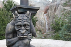 Gargoyle (PhotosByPhil) Tags: dof disney gargoyle disneyworld waltdisneyworld magickingdom photosbyphil