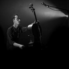 Le Prince Miiaou (StefanoG.com) Tags: music concert live voigtlander olympus 11 toulouse 50 nokton ep2 stefanog lebikini leprincemiiaou stefanotofs olympusep2 voigtlandernokton5011 leweekenddescuriosités stefanogcom