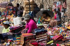 Mercado en Antigua (Carlos Gaiteiro) Tags: guatemala antigua mercado indigenas artesana