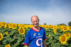 afield (roscoepoet) Tags: lawrence ku sunflowers kansas dennis dennisabbot grinterfarms