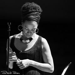Rosa Emilia Live (Roberto_Rosa) Tags: portrait blackandwhite bw music art canon live jazz bn biancoenero eos6d