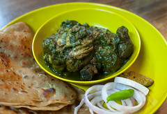 Chicken cooked in spinach Pure. (newdeb2007) Tags: chicken indianfood foodphotography nikond60