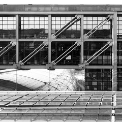 HBF Central Station B/W (Cydracor) Tags: berlin hauptbahnhof bahnhof glas verkehr traffic architektur gebäude panasonic lumix tz71