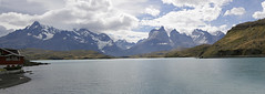 Cuernos del Paine from Lake Pehoe (Roelie Wilms) Tags: scherpgesteld hogekwaliteit cuernosdelpainefromlakepehoe torresdelpaine pehoé chile chili chileanpatagonia patagonia patagonië panoramafoto panorama